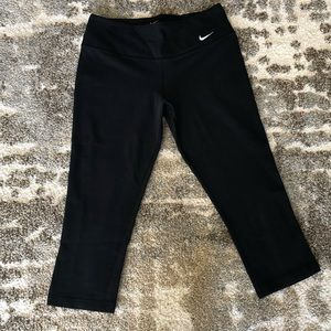 Nike dri-fit cropped work out pants